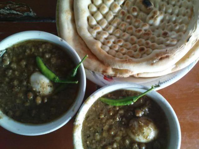 24 Best Naan Chaney Shops in Lahore - Best Breakfast Points